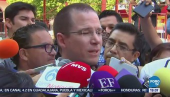 Ricardo Anaya reúne empresarios Colima