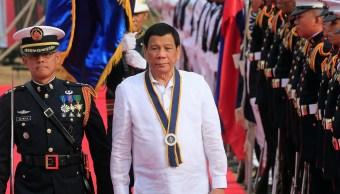 'Quédense en cárcel si quieren vivir más': Duterte a narcos