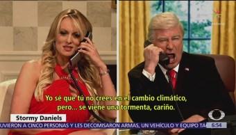 Stormy Daniels se enfrenta a Trump en parodia de Saturday Night Live