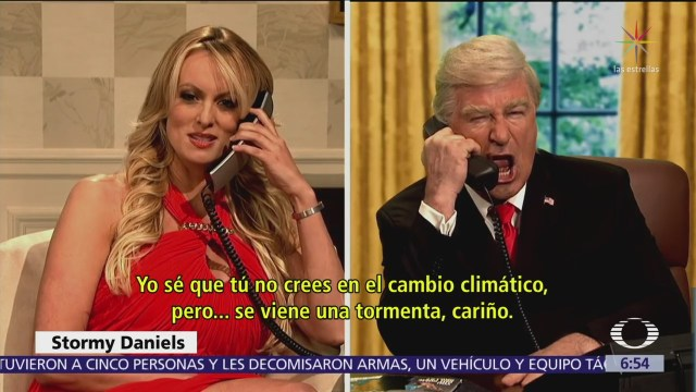 Stormy Daniels se enfrenta a Trump en parodia de Saturday Night Live