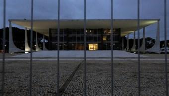 Tribunal federal Brasil restringe fuero senadores y diputados
