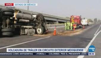 Vuelca tráiler en el Circuito Exterior Mexiquense