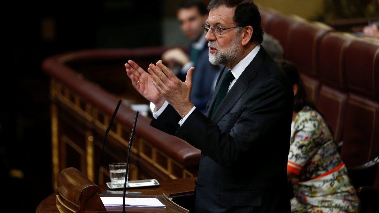 Rajoy reconoce su derrota, minutos antes de votación