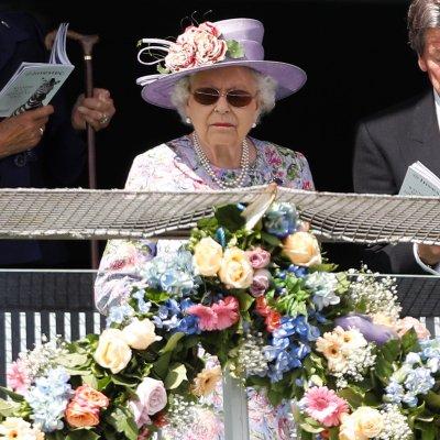 Reina Isabel II conmemora 65 años de su coronación