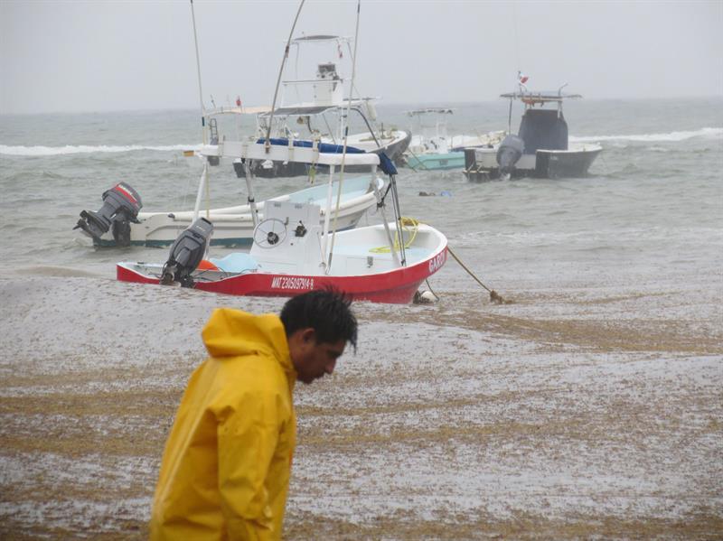 'Carlotta' causa lluvias intensas en Guerrero y Oaxaca