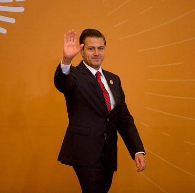Peña Nieto felicita a Sánchez y destaca relación de México y España