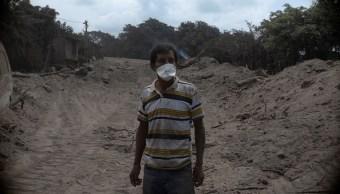 sobrevivientes erupcion volcan fuego buscan familiares cenizas
