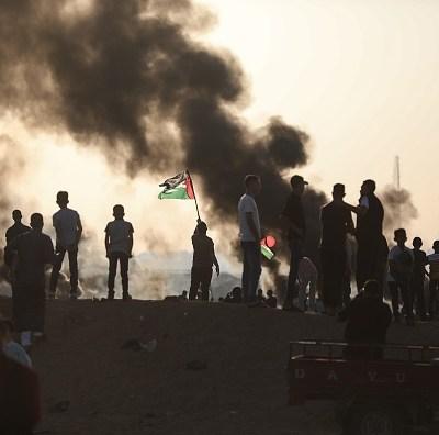 Lanzan cometas incendiarias desde Gaza provocando incendios en Israel
