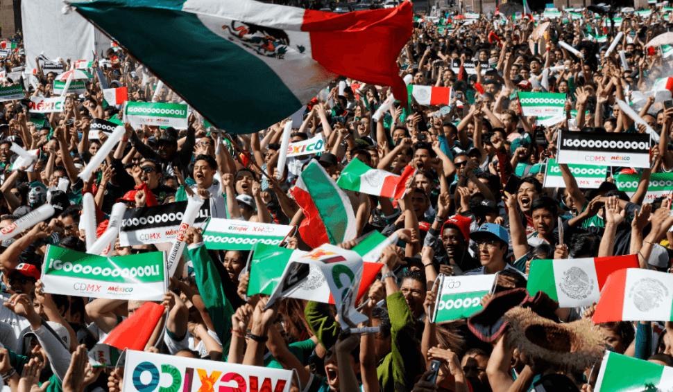 Aficionados mexicanos en Rusia. (EFE)