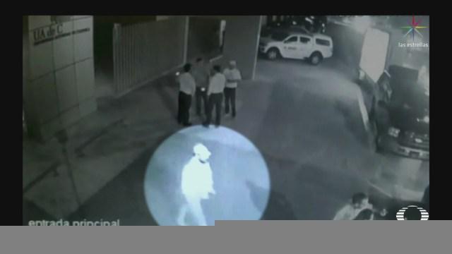 Analizan videos captaron presunto asesino de