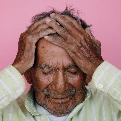 Mexicanos maltratan a sus adultos mayores... y además los discriminan