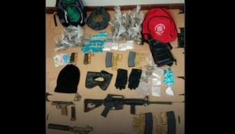 Detienen a tres expolicías con armas y droga en NL