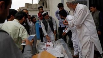 Estado Islámico ataca ministerio en Kabul; hay 12 muertos