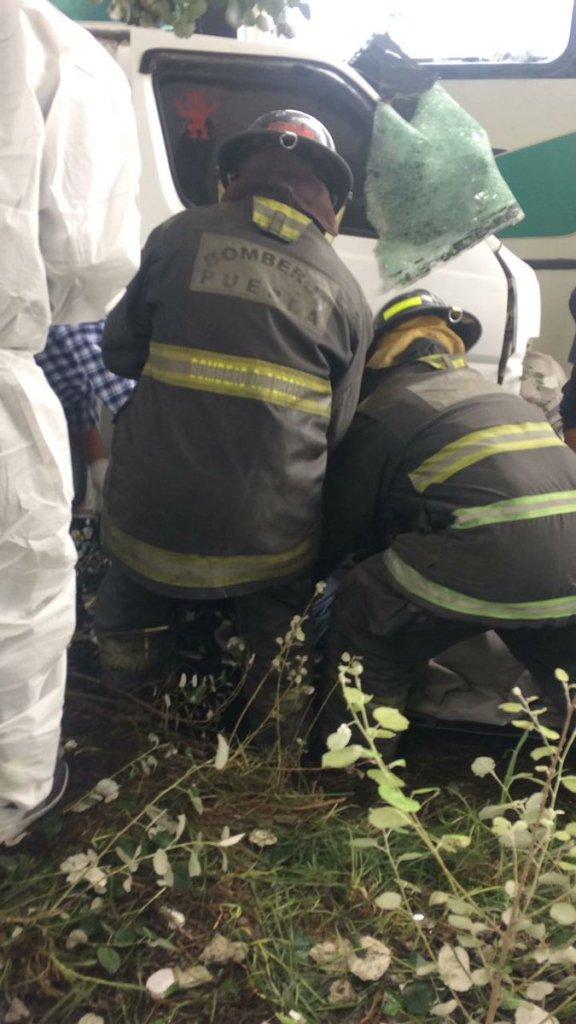 Aumentan a ocho los muertos por accidente en Santa María Nenetzintla