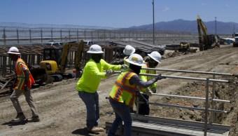 Cambian malla muro metálico frontera Tijuana – San Diego