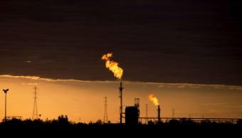 Baja precio de petróleo Brent, incrementa suministro de OPEP