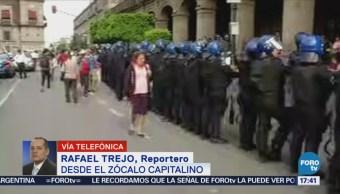 Damnificados por sismo del 19-S protestan en el Zócalo
