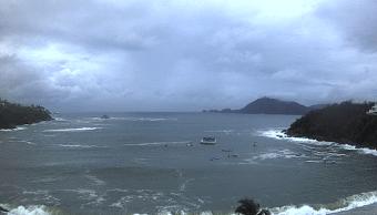 Huracán Bud y onda tropical 2 favorecen lluvias en México