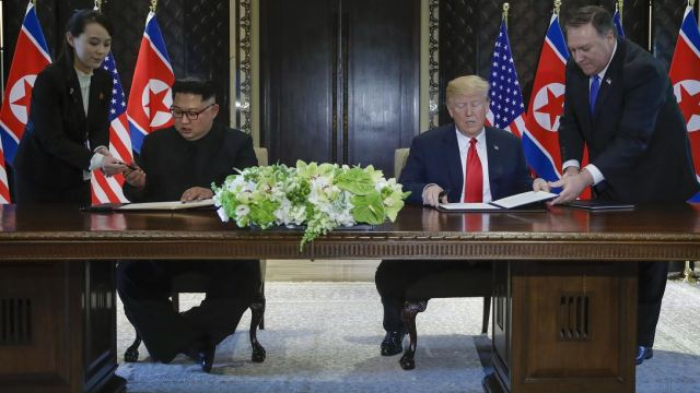 Trump y Kim firman declaración conjunta después de histórica