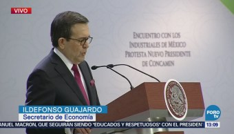 Ildefonso Guajardo se reúne con industriales de México