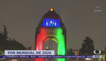 Iluminan monumentos CDMX para celebrar sede del Mundial 2026