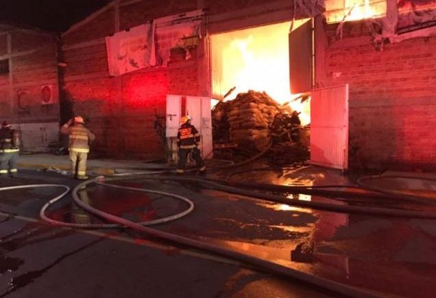 Incendio arrasa con bodega que guardaba semillas en Jalisco