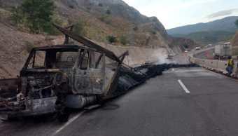 Incendio de tráiler provoca cierre durante siete horas en Autopista del Sol