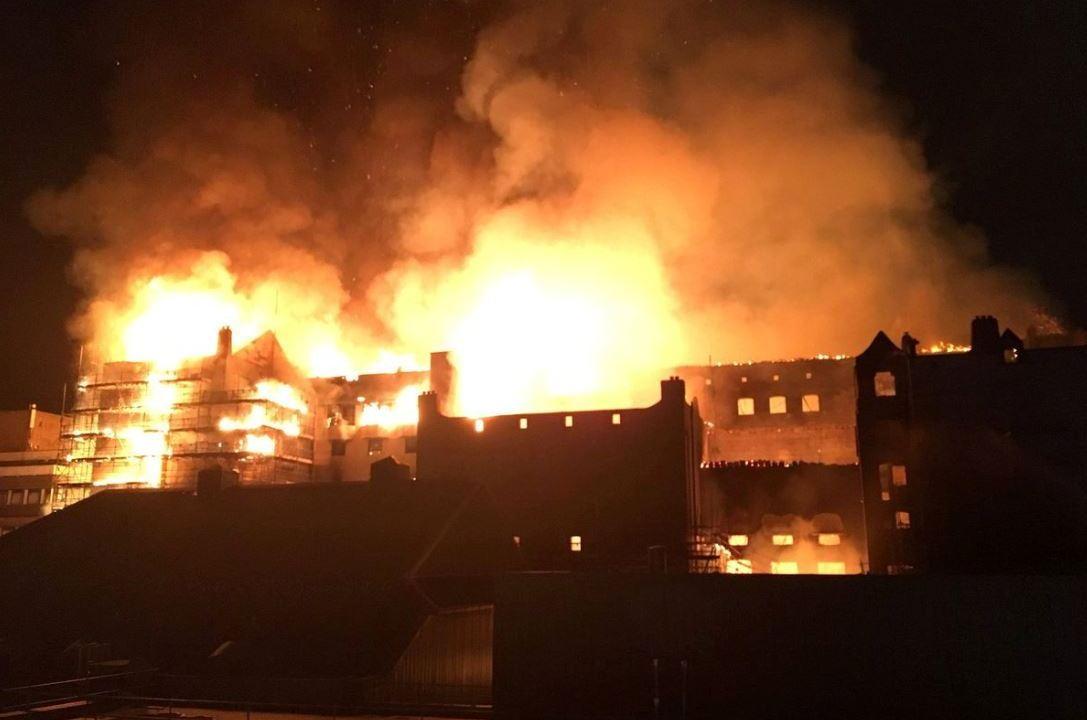 incendio arrasa escuela arte glasgow escocia