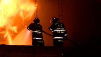 Se incendia almacén de hidrocarburo ilegal en Jalisco