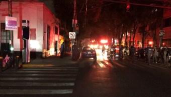 Incendio sorprende a vecinos de la colonia San Rafael, CDMX