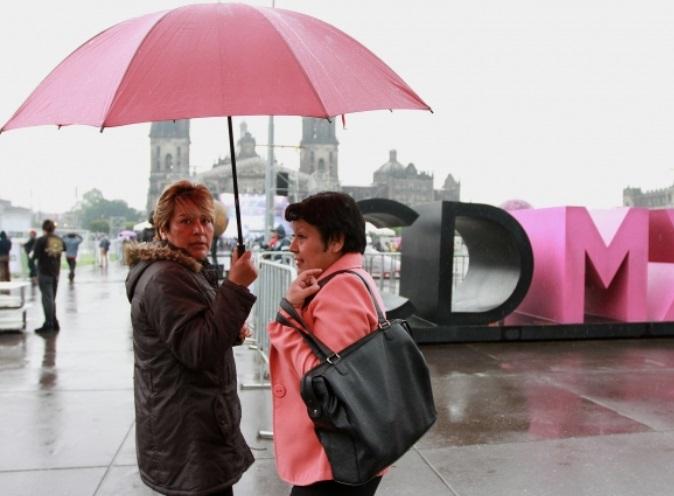 Lluvias y encharcamientos afectan al menos 7 delegaciones