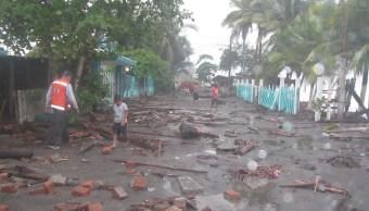 Continúan las lluvias y oleaje elevado en costas de Colima