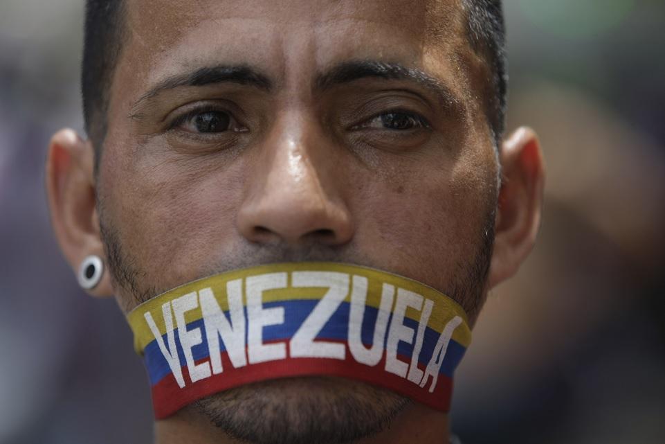 Venezuela liberará a un tercer grupo de 'presos políticos'