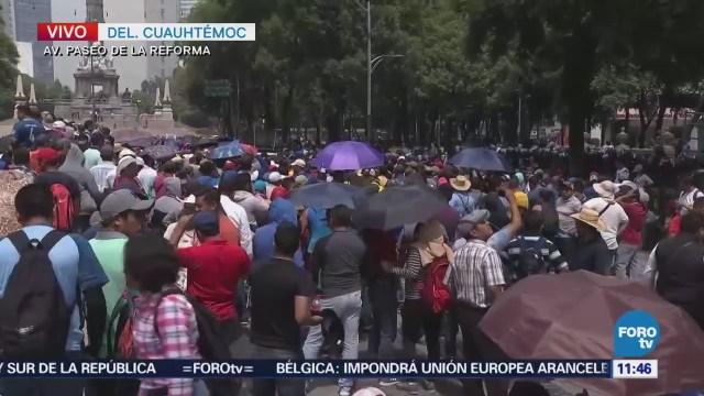 Manifestantes realizan mitin en Reforma y dificultan tránsito
