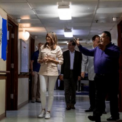 Melania Trump visita centro de niños migrantes detenidos en la frontera con México
