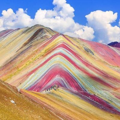 'Montaña de los Siete Colores', una maravilla de la tierra en Perú