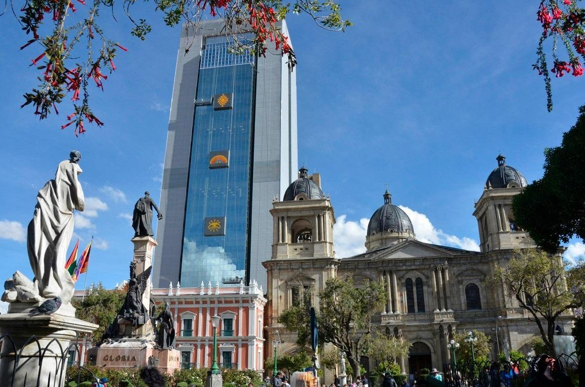 Evo Morales tiene un nuevo y lujoso palacio de 28 pisos