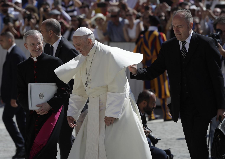 Por abuso, Vaticano acepta renuncia de dos obispos