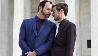 Justicia de EU respalda a pastelero pastel a pareja gay