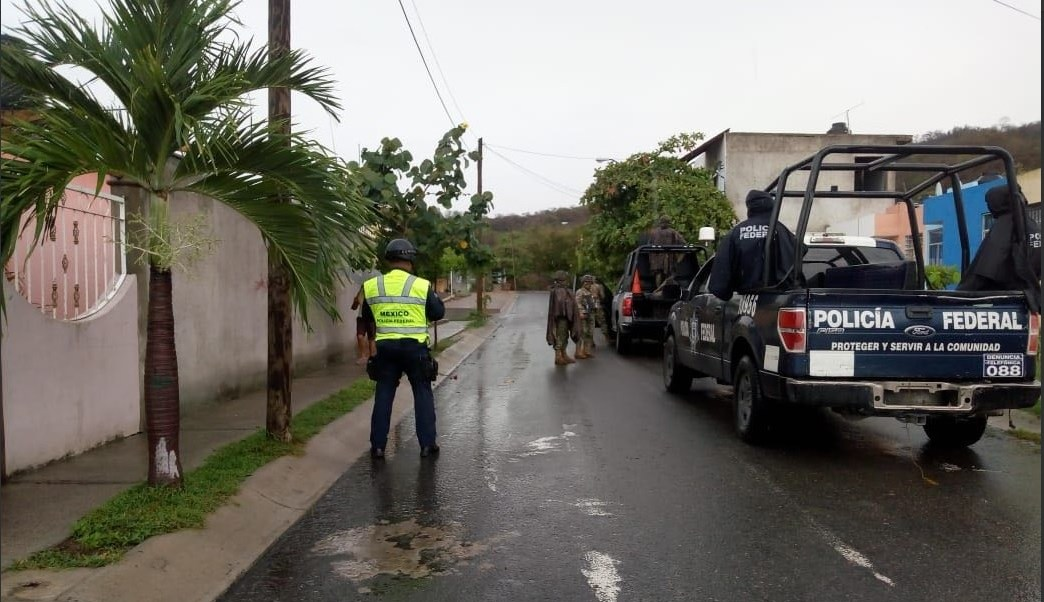PF auxilia a población afectada por tormenta tropical 'Bud'