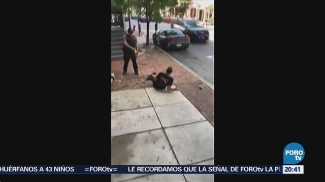 Policía Ataca Arma Eléctrica Hombre Indefenso