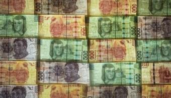 Peso mexicano se fortalece, espera alza de tasas de Banxico