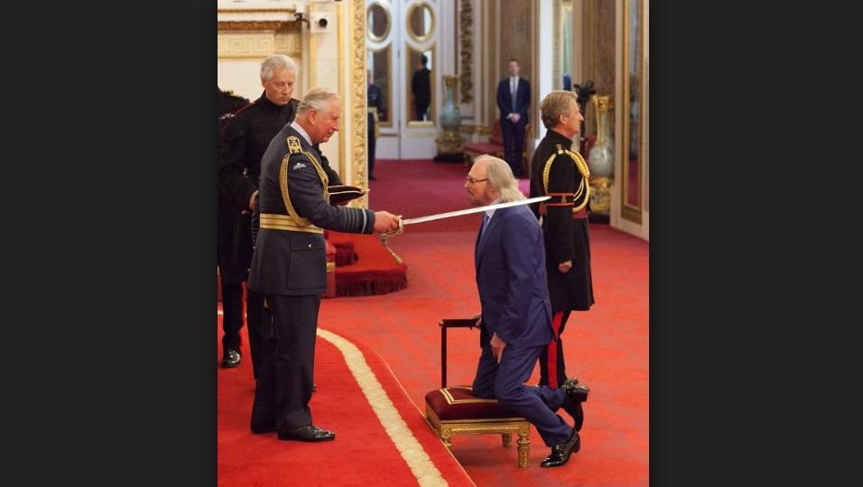 Cantante de Bee Gees, Barry Gibb recibe título caballero