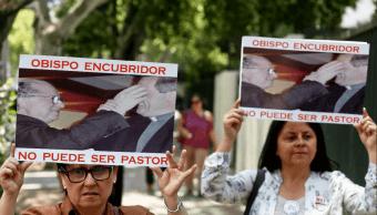 Papa acepta renuncia de tres obispos chilenos