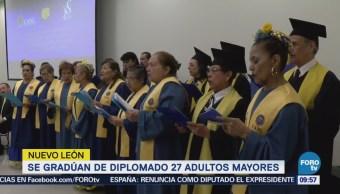 Se Gradúan Adultos Mayores Nuevo León