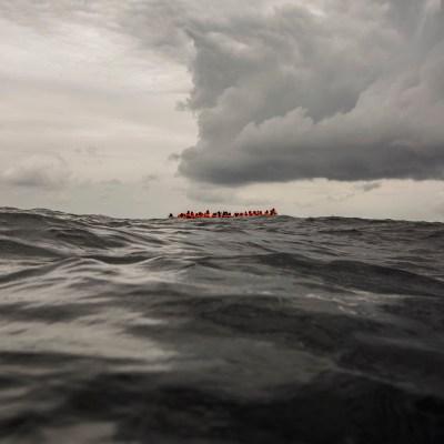 Naufraga bote con migrantes que salió de playas de Libia