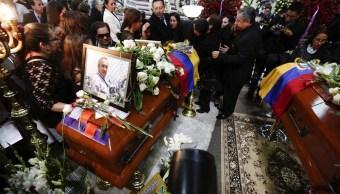 Sepultan periodistas ecuatorianos asesinados Colombia FARC