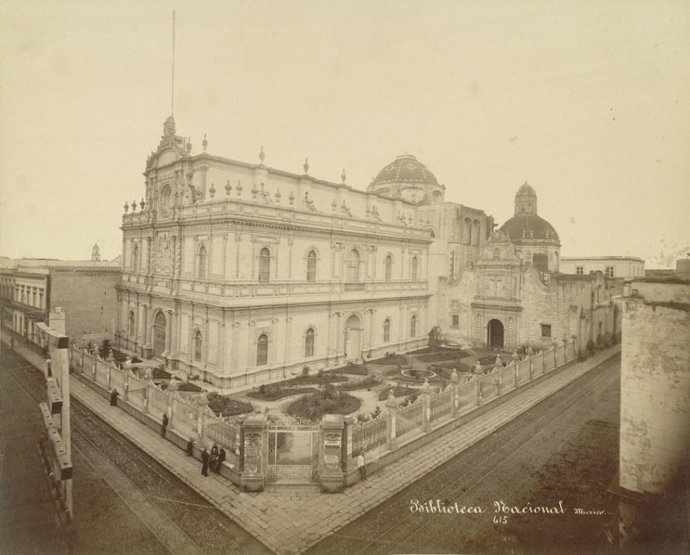 templo-iglesia-san-agustin-ciudad-mexico-biblioteca-nacional