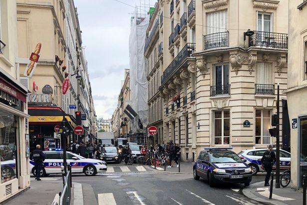 Toma de rehenes moviliza a la policía en París