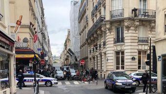 Un hombre toma dos rehenes en el centro de París